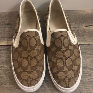 Womens Chrissy Outline Sneaker